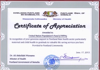 Unfpa somalia ministry of health rewards certificate of after the meeting mr cheikh tidiane cisse and dr ali abdullahi warsame proceeded to the closing ceremony of the bemoc training for midwives and handover yelopaper
